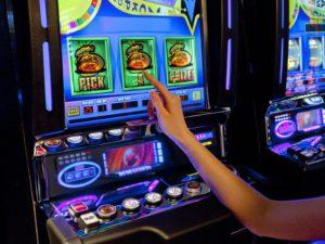 Игровые аппараты играть бесплатно – всегда интересно и захватывающе в клубе Spin City